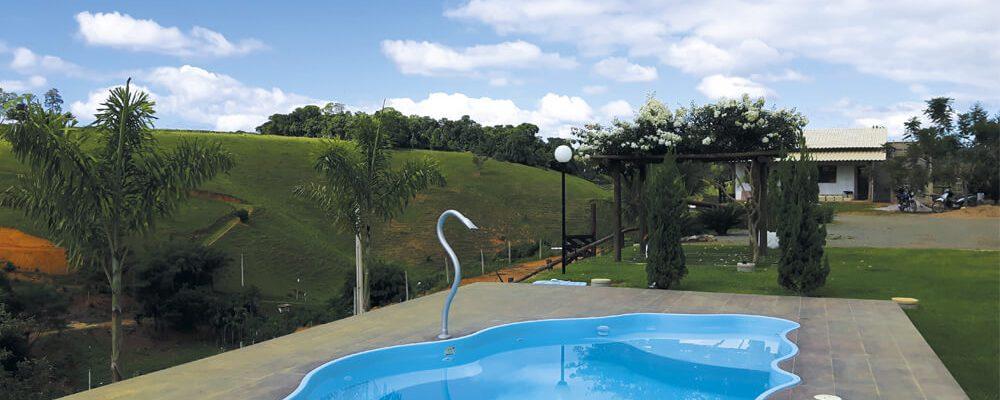 Você sabe por que precisa ter uma barreira química na sua piscina de fibra?